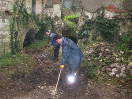 Volunteers excavate Betchworth Castle cellars, 2013
